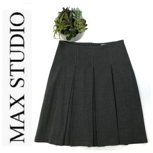 Max Studio Charcoal Gray Pleat Front Skirt Size 2